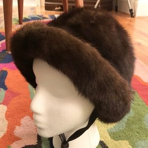 Vintage 100% fur cloche hat